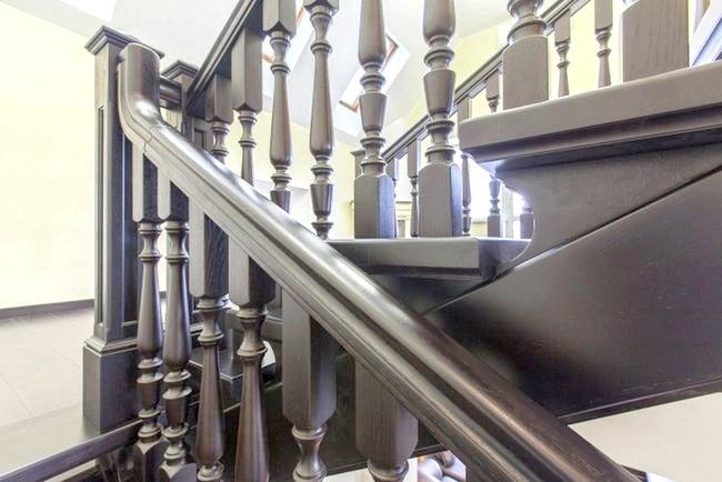 Фото - Дерев'яні сходи: тепло і затишок в домі