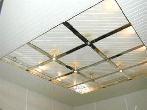 Фото - Інструкція установки підвісної стелі у ванній кімнаті своїми руками
