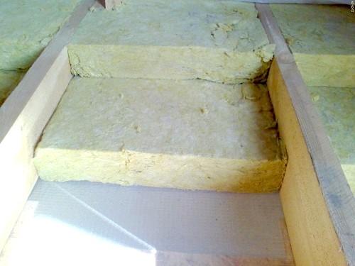 Фото - Використовуємо лаги для захисту підлоги в будинку від холоду