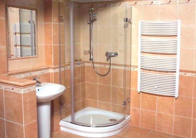 Фото - Як відмити душову кабіну і прибрати наліт зі скла