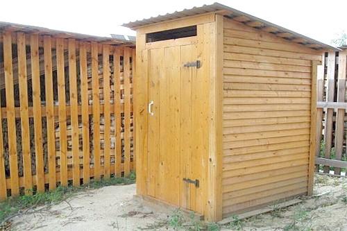 Фото - Як побудувати вбиральню в заміському будинку самостійно