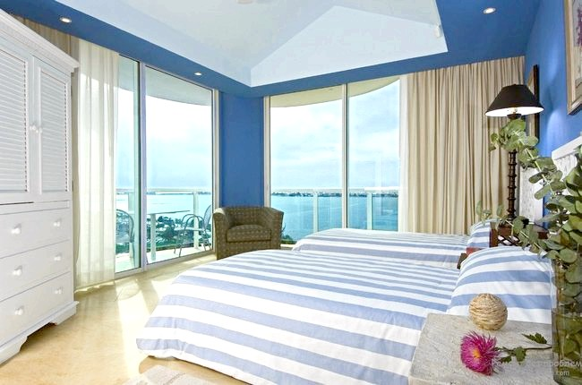 Фото - Оформляємо спальню в синіх тонах