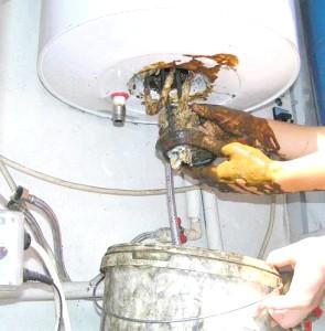 Фото - Розбираємося, як злити воду з водонагрівача арістон - поради професіонала