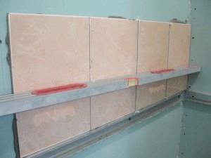 Фото - Схема та інструкція правильного укладання плитки на гіпсокартон у ванній кімнаті