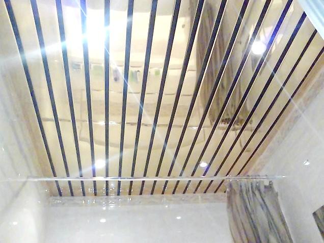 Фото - Робимо навісну стелю у ванній: хитрощі професійного монтажу
