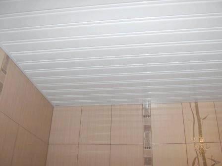 Фото - Як правильно встановити стельові панелі для ванної