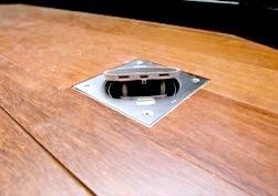 Фото - Як зробити розетку в підлозі