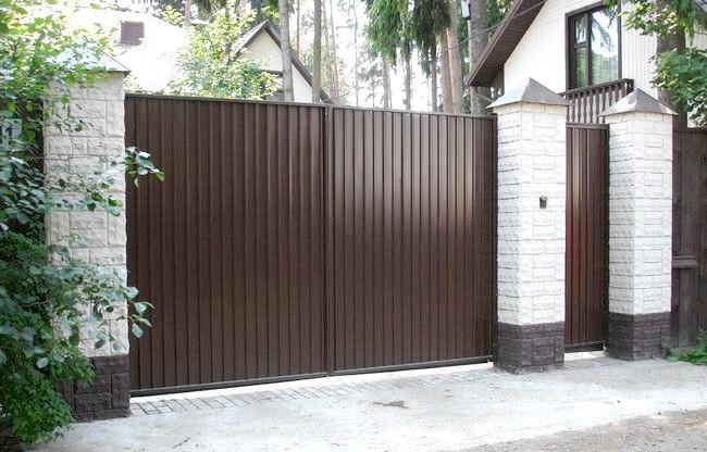Фото - Як зробити ворота з металевого листа