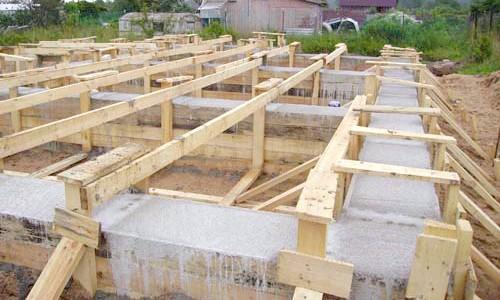 Фото - Яким повинен бути фундамент під будинок?