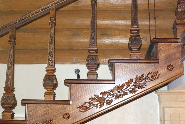 Фото - Сходи з ясена зігріє своїм теплом