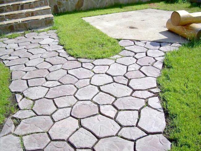 Фото - Не шукайте відповідну тротуарну плитку в магазинах, а зробіть її самі!