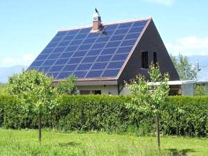 Фото - Опалення заміського будинку сонячними батареями