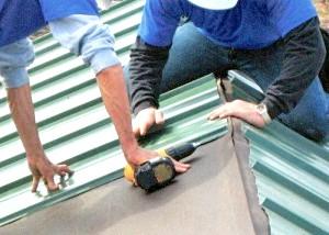 Фото - Ремонт крівлі фальца своїми руками