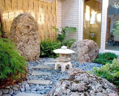 Кам'яний світильник з кришкою