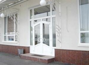 Вхідні пластикові двері для дому