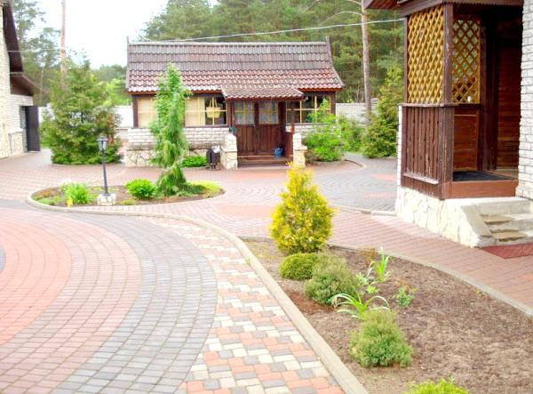 Фото - Технологія укладання бруківки і плитки для тротуарів