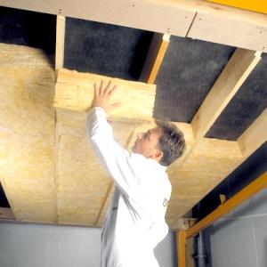 Фото - Утеплення даху дерев'яного будинку своїми руками