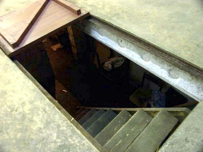 Фото - У підвалі на стелі конденсат: як усунуті?
