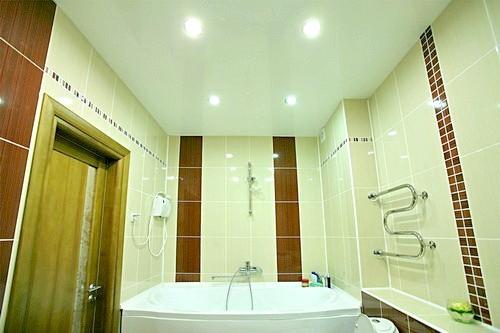 Фото - Ванна кімната: натяжні стелі