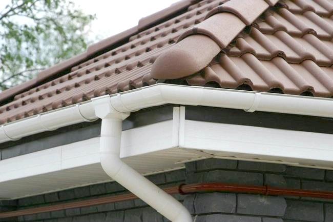 Фото - Водостоки - надійний захист для покрівлі та фасаду