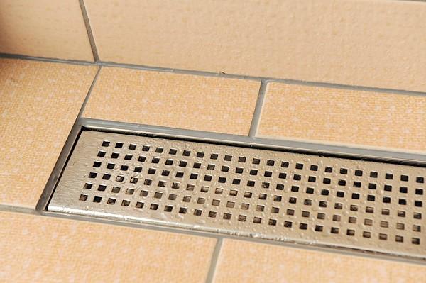 Фото - Як найкраще облаштувати слив в підлозі?