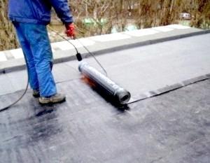 Фото - Як правильно покрити дах руберойдом?