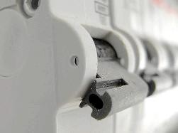 Фото - Як замінити автоматичний вимикач в електрощиті
