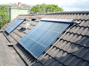 Фото - Опалення будинку сонячними колекторами - принцип роботи, види та особливості вибору