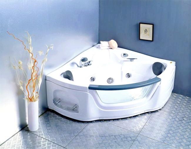 Фото - Трикутна ванна - розкіш чи оптимальний варіант?