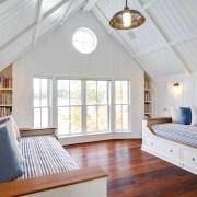 Обробка підлоги деревом в спальні