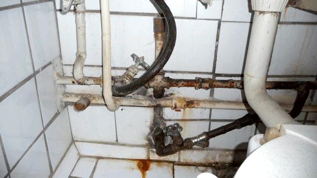 Фото - Замінити труби: доступні види і особливості монтажу водопроводу