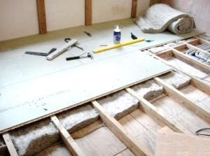 Фото - Як провести утеплення дерев'яної підлоги без допомоги фахівців