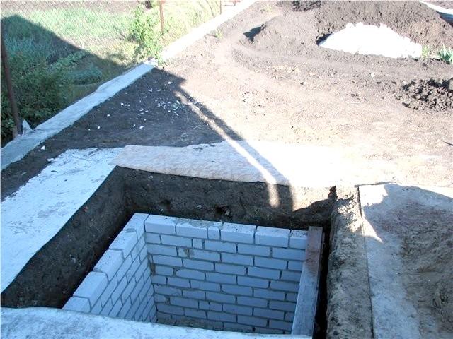 Фото - Як влаштувати зливну яму