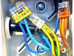 Фото - Клемники для з'єднання проводів та кабелів