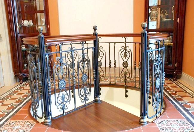 Фото - Ковані огорожі: стильне рішення для сходів