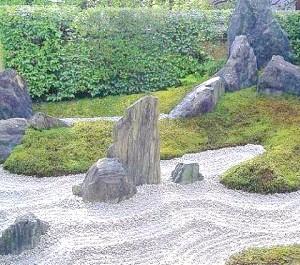 Фото - Про що мовчать камені: осягаємо таємниці японського саду каменів
