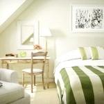 Біла спальня, доповнена зеленим