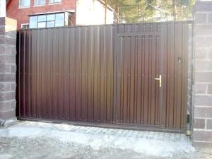 Фото - Відкатні ворота своїми руками