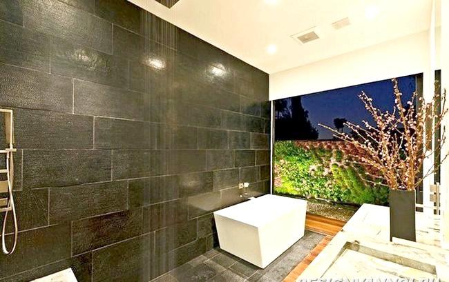 Фото - Панно з плитки для ванної кімнати