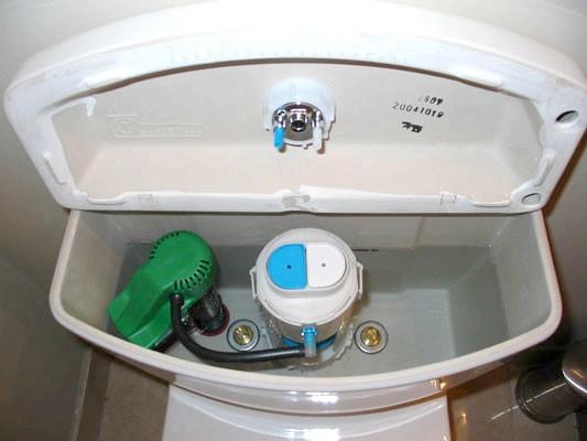 Фото - Установка і ремонт запірної арматури для зливного бачка