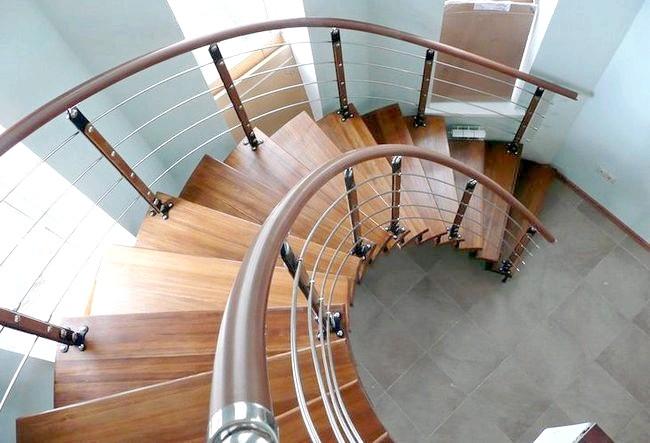 Фото - Гвинтові сходи: ергономіка в дії