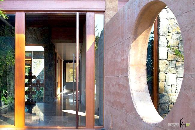 Скляні двері в японському інтер'єрі