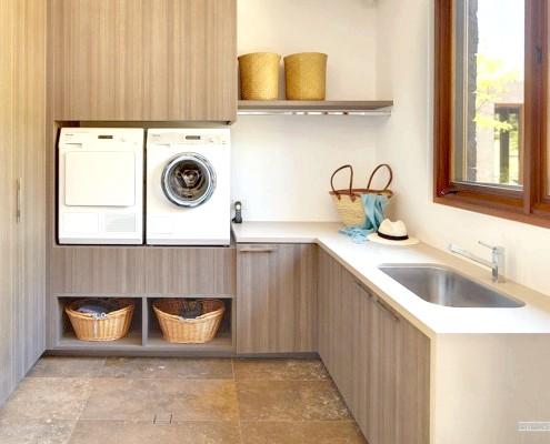 Пральна і посудомийна машини в японському будинку