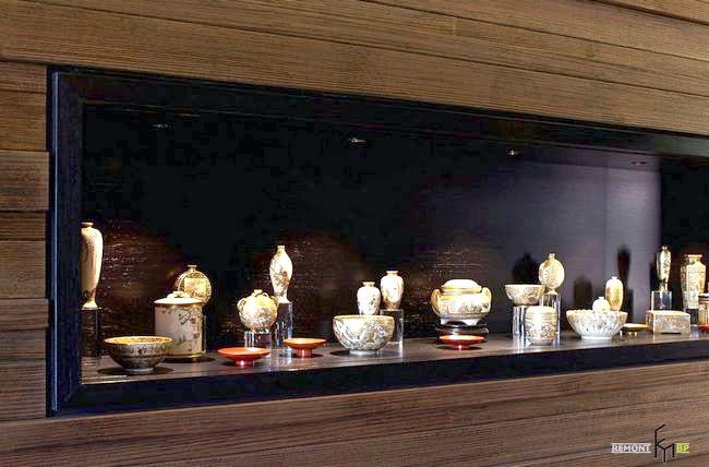 Інсталяція з порцеляни в японському будинку